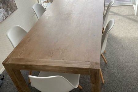 Table and x6 chairs