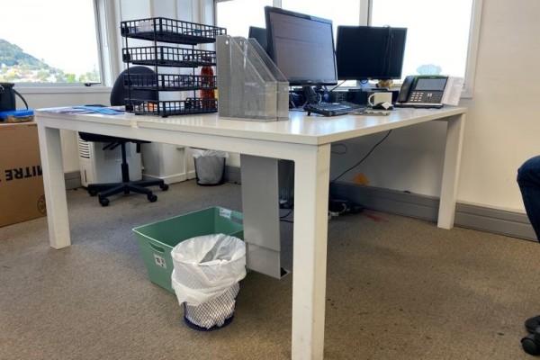 White 2 Desk Pod