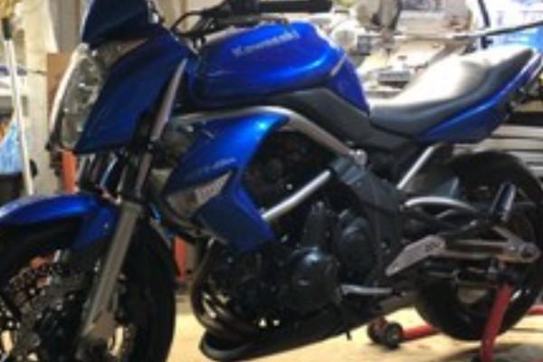 Motorcycle Kawasaki Ern6