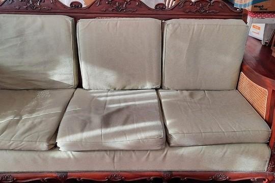 3 seater sofa, Armchairs x2, Coffee Table