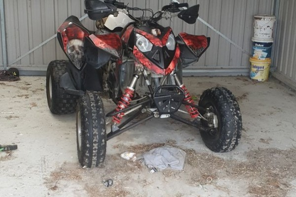 Motorcycle Polaris Outlaw 500 Sports Quad