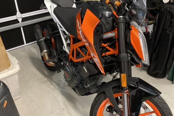 Motorcycle KTM Duke 390