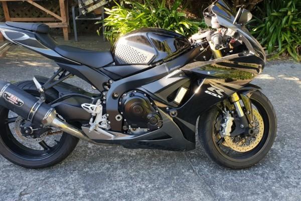 Motorcycle Suzuki GSXR-750