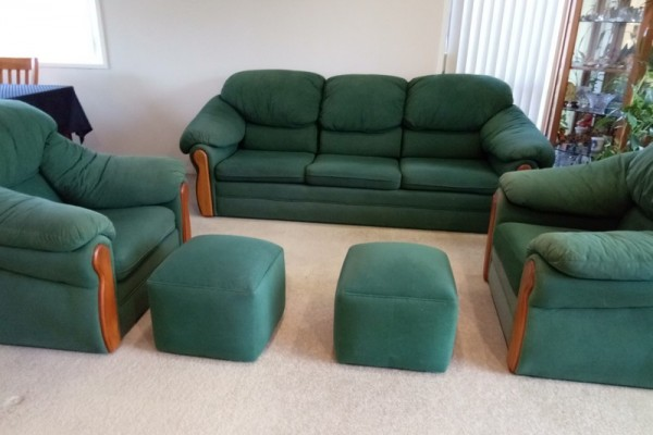 Sofa Lounge Suite 3 piece + 2 foot stools