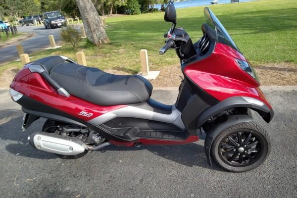 Motorcycle 2007 Piaggio MP3 250 2007 Piaggio MP3 250