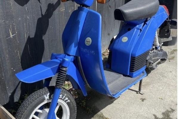 Motorcycle benelli bella 25