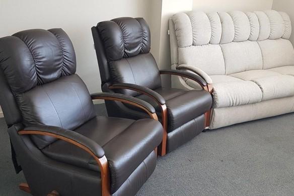Lazy Boy Lounge Suite
