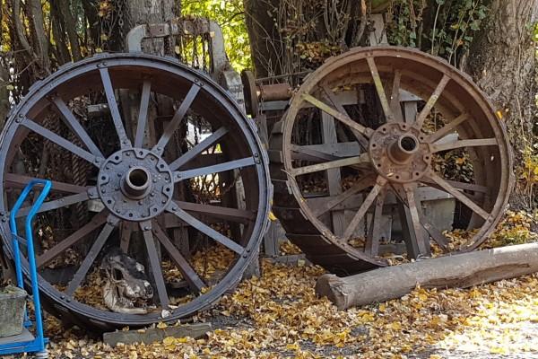 2 x 160cm diameter tractor engine wheels
