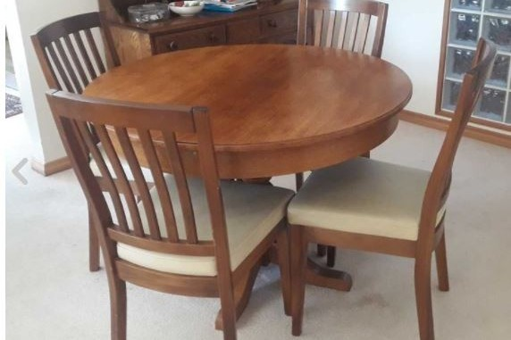 Dining table, 4 dining chairs