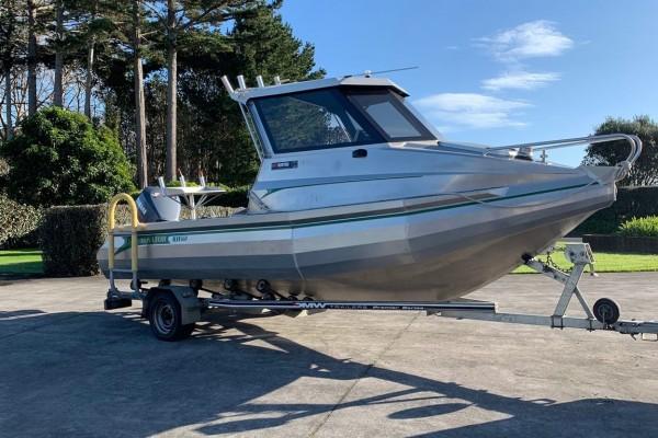 Motor boat Senator 560