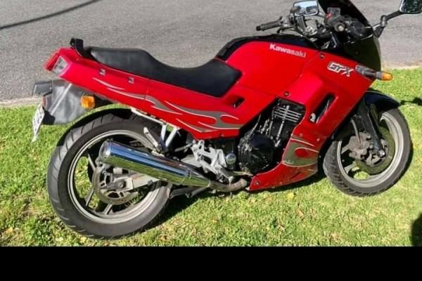 Motorcycle Kawasaki Ex 250 lam