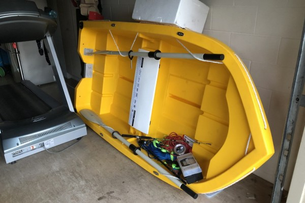 Small boat Smartwave 2400