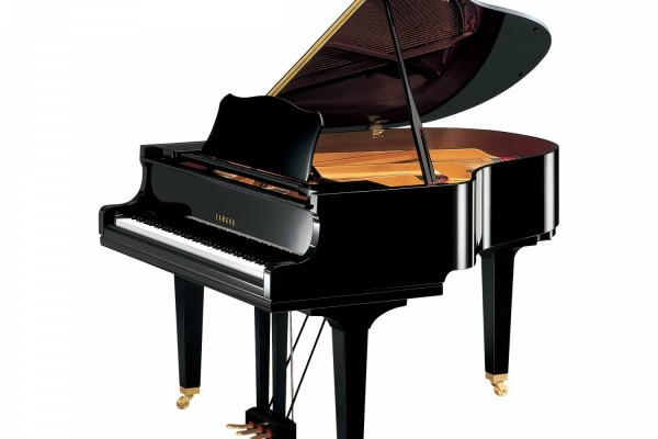 Yamaha CG1 piano