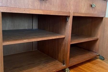 Kitchen island - Chest cabinet