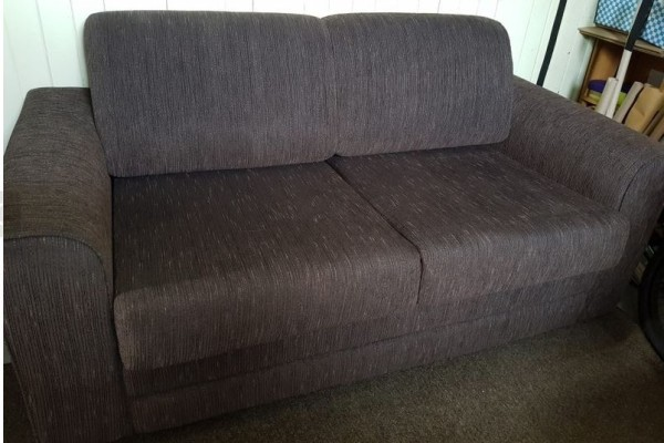 2-seater fold out couch