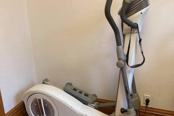 Gym item / elliptical