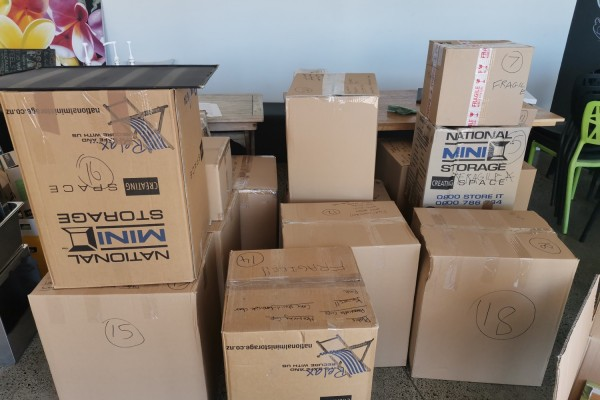 Commercial oven, Commercial deep fryer, Fridge, Approx 20 Moving boxes