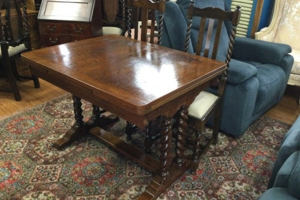 Oak jacobean twist extension table, 6 dining chairs
