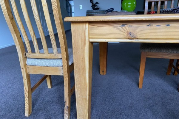 Recycled Pine Dinning table
